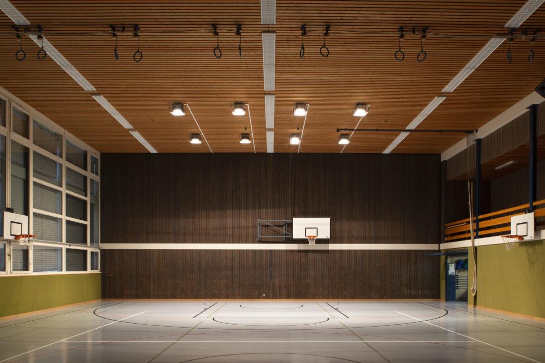 Eclairage scénique à la salle de gym de Posieux