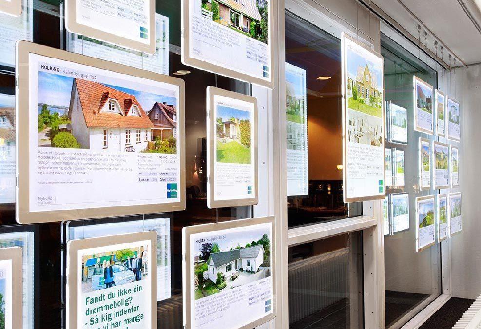 Afficheurs LED pour agences immobilières, vitrines, magasins, restaurants,…